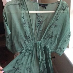 Green lightweight Top